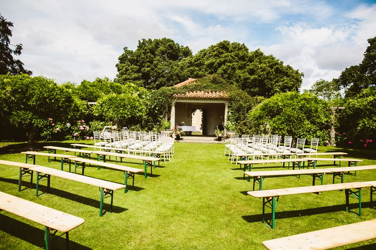 Wedding Photography at Hole Park in the Garden of England.   The Perfect Setting for a Bohemian English Summer Wedding  #rustedrose