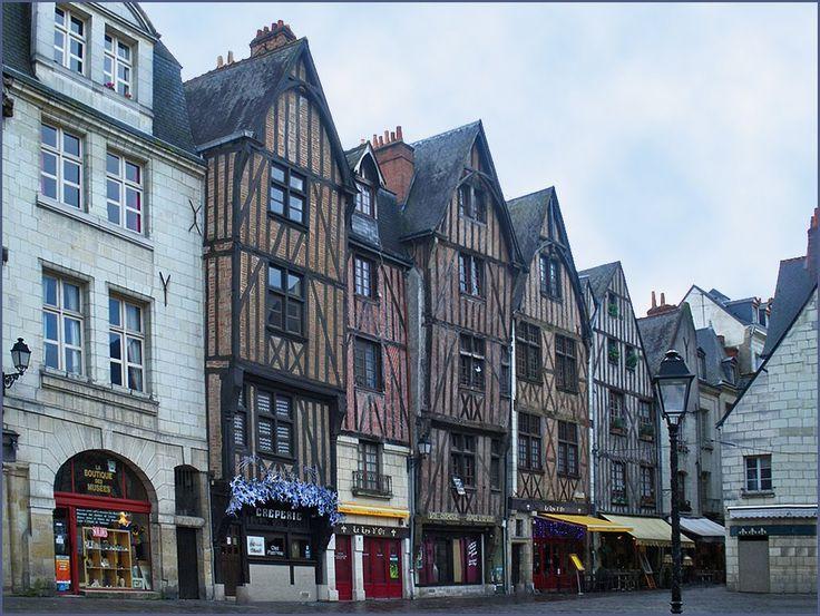 17 best ideas about place plumereau tours on pinterest - Point p blois ...