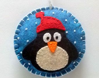 Felt christmas ornament - Squirrel snowing snowglobe ornament/ wool blend felt/ white background This listing is for 1 ornament Size about 8 cm