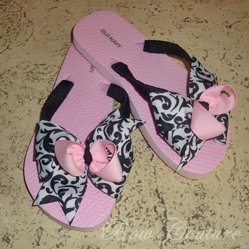 Boutique Classic Bow Embellished Flip Flops - Pink, Black, WhiteBows Embellishments, Boutiques Classic, Classic Bows, Chic Bows, Embellishments Flip, Black White, Flip Flops, Deocrating Flip, Pink Black