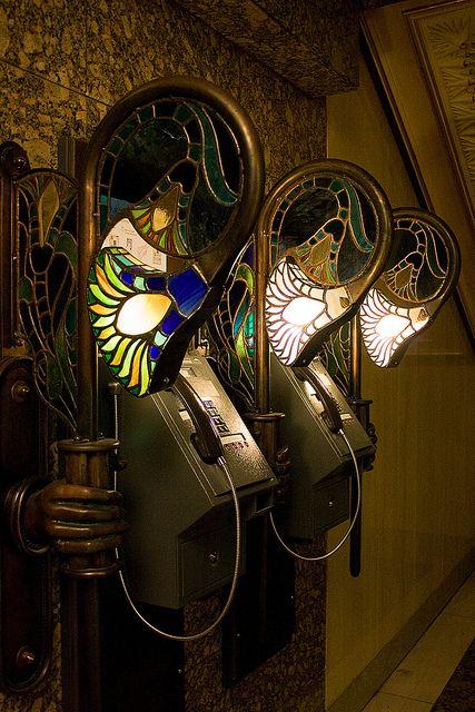 London_ Art Nouveau Harrod's téléphone