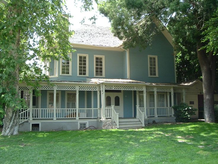 Lorelai & Rory's house after renovations