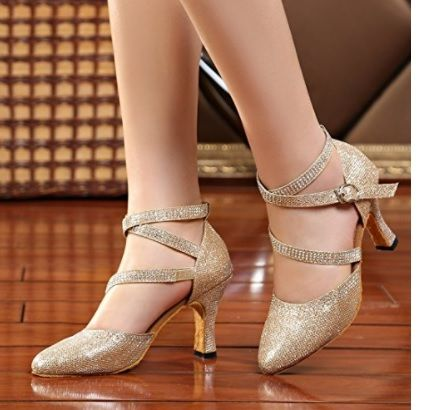 Zapato Dorado Mary Jane #ModaCalzado #AmazonModa #Outfit #Fashion #Tacones #ModaOtoñoInvierno #Glitter #Purpurina #Dorado #Gold #MaryJane #Zapatosmujer #Mujer