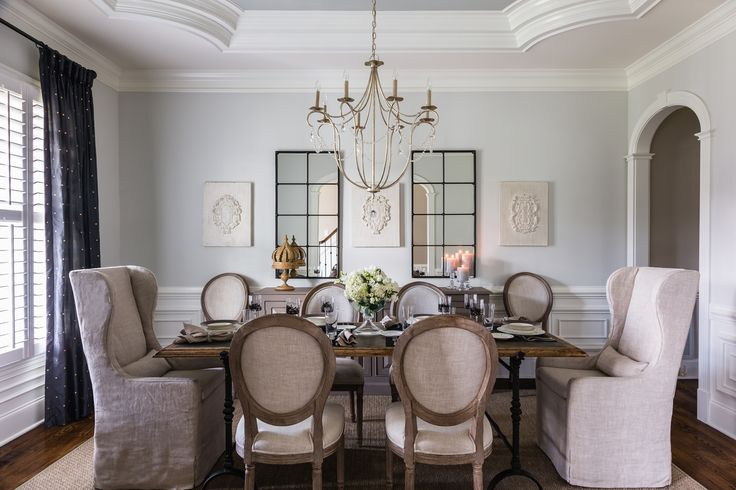Elegant dining room designed by @Lauren Burns Interiors Photo by @catnguyenphoto