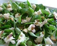 http://bucatariaelenei.blogspot.ro/2012/05/salata-de-valeriana-cu-gorgonzola.html