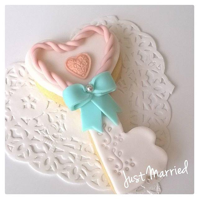 """""""La #chiave della #felicità e dell'#amore... #weddingday #sposa2017 #biscottidecorati #cookies #decorare #fattoamano #madeinitaly #puglia #instasweet #sweet #wedding #eventplanner #eventi #rosacipria #cuori #fiocco #tiffany #eventi #madeinpuglia #puglia #mywork #myfantasy #italy #handmade #matrimonio #weddingplanner #lovelyday"""" by @justmarriedconfettidecorati.  #bride #weddingday #weddingdress #weddingphotography #bridal #weddinginspiration #weddingphotographer #groom #свадьба #instawedding…"""