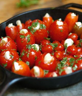 Slow Roasted Garlic-stuffed Cherry Tomatoes with sea salt and olive oilTomatoes Recipe, Olive Oils, Roasted Cherries Tomatoes, Food, Roasted Garlic Stuffed, Sea Salts, Slow Roasted, Garlic Stuffed Cherries, Garlic Tomatoes