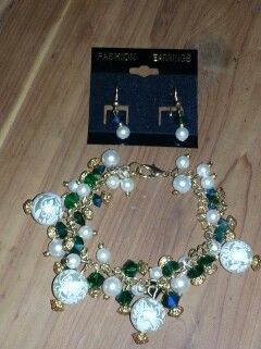 Emerald and Pearls. Earring and Bracelet Set