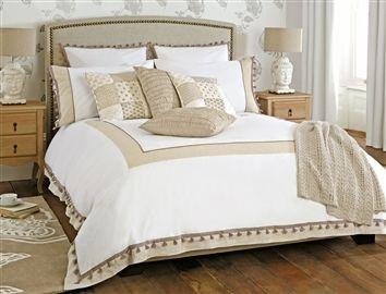 Tassel Panel Bed Set
