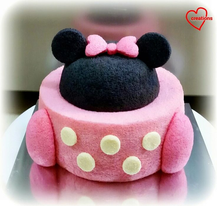 Loving Creations for You: Minnie Mouse Strawberry Chiffon Cake