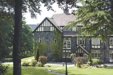 Lake Vyrnwy Hotel in Powys, Wales - a sporting hotel offering access to shooting and clay pigeons on the estate