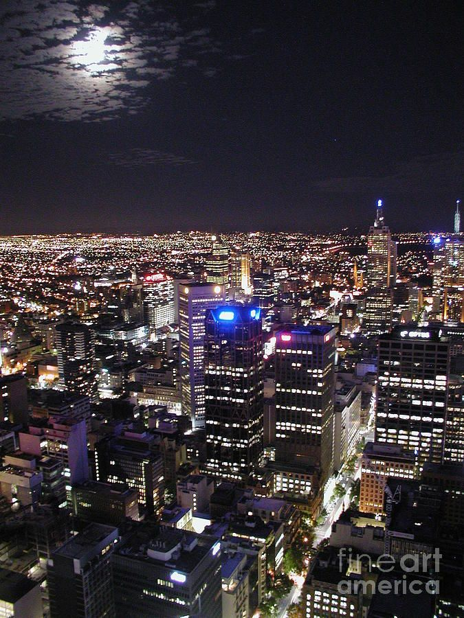 ✯ Moon Over Melbourne