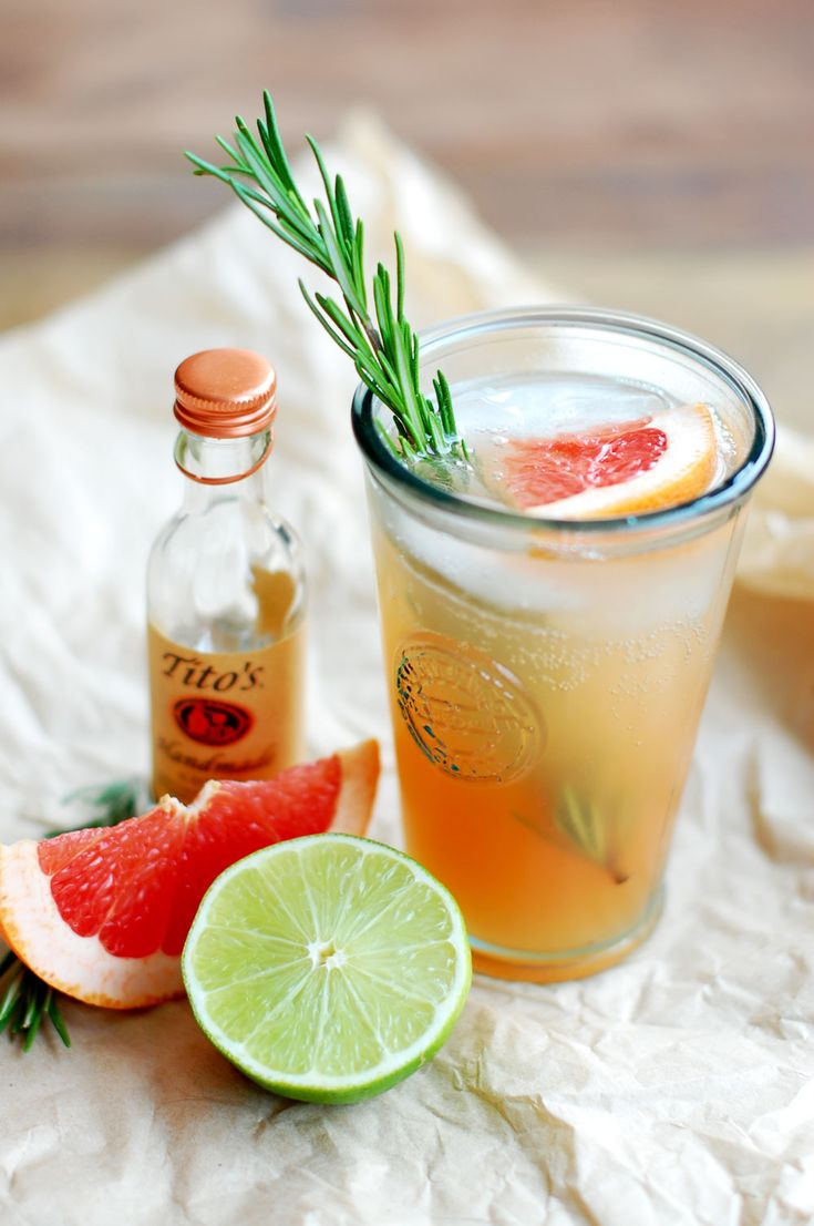 Vodka, Grapefruit & Rosemary Fizz #cocktail #cocktails