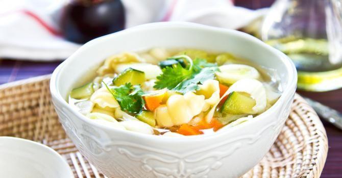 Recette de Soupe légère aux légumes fribourgeoise . Facile et rapide à réaliser, goûteuse et diététique. Ingrédients, préparation et recettes associées.