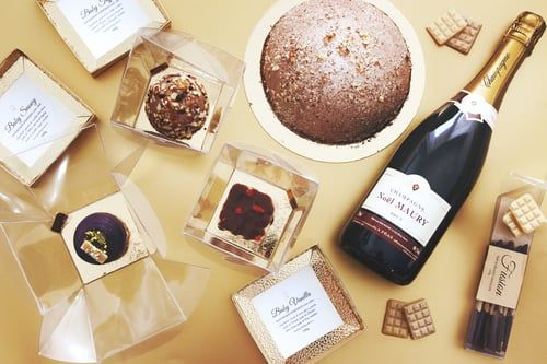 DYROGUE's  impecable capture of the essence and beauty of Goodie Goodies raw desserts.