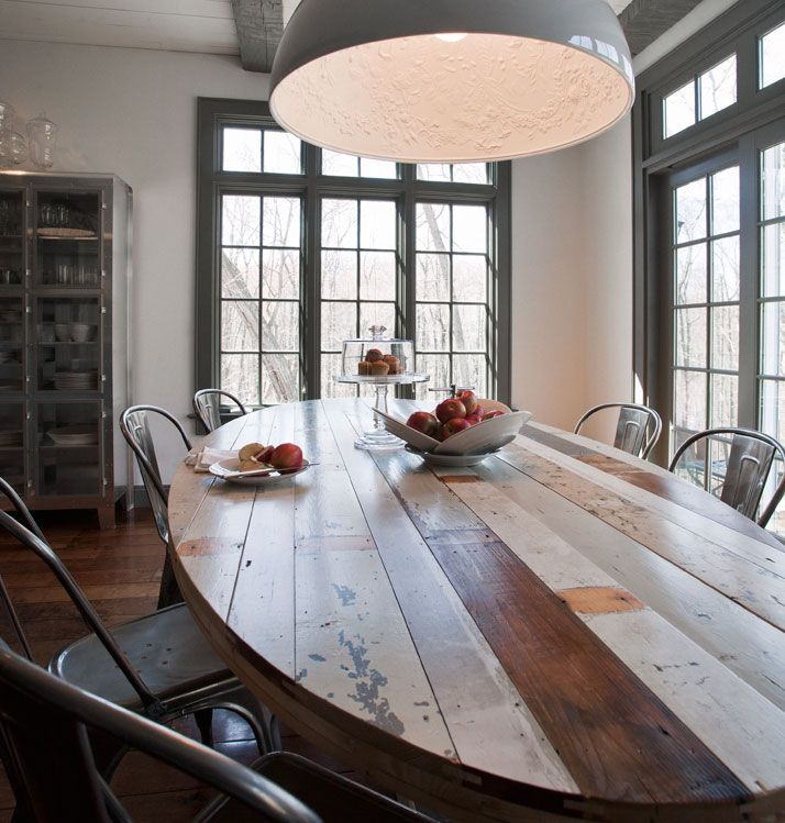 reclaimed wood table...and love the tolix chairs too!
