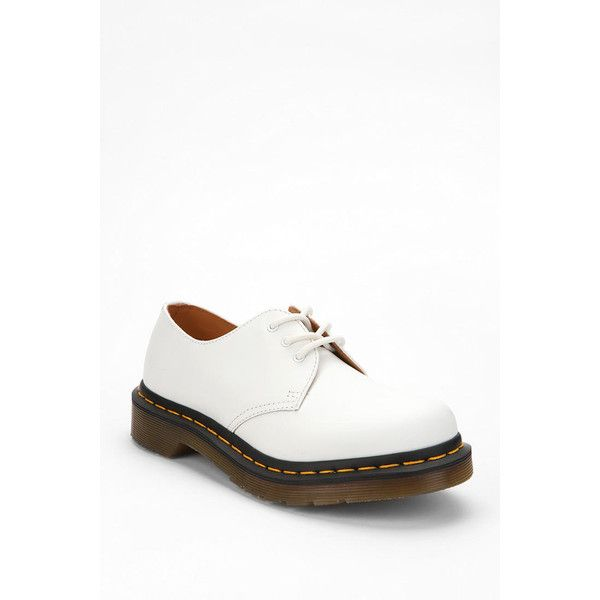 Dr. Martens 3-Eye Oxford (€99) ❤ liked on Polyvore featuring shoes, oxfords, white, brogue shoes, white oxford, oxford shoes, dr martens footwear and brogue oxford