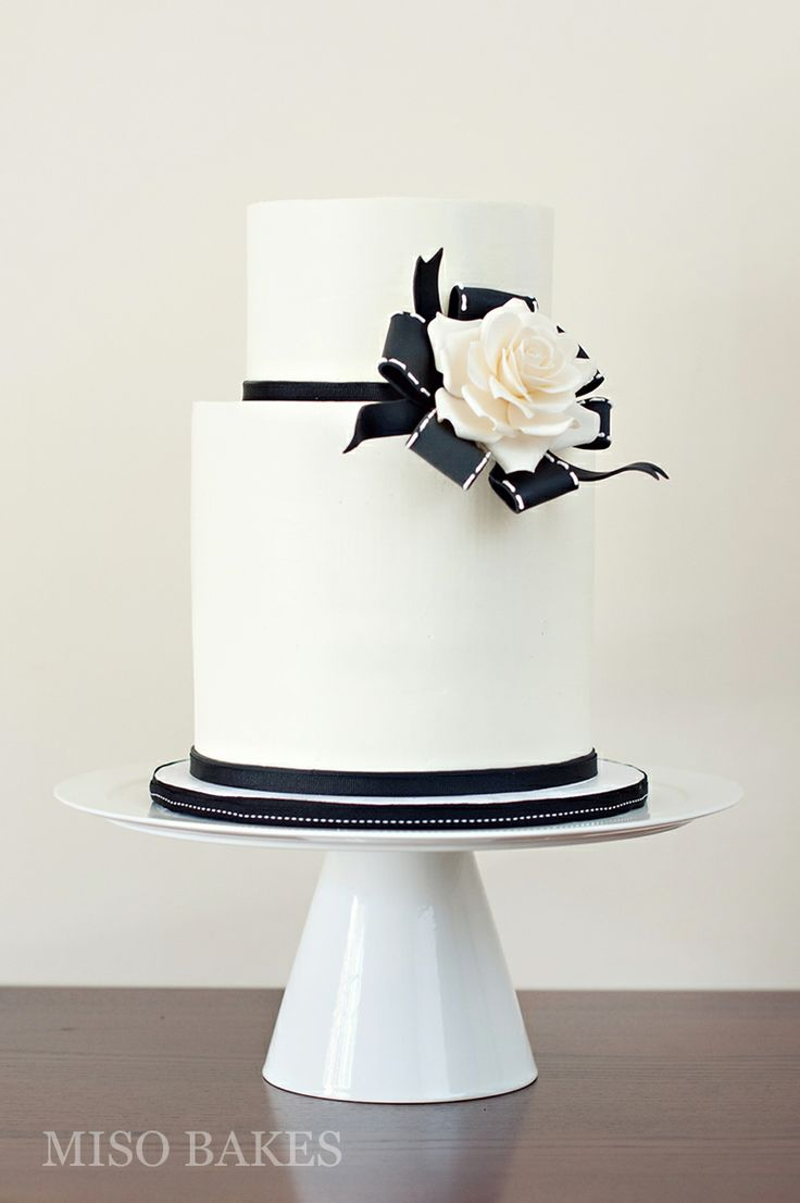 images of black and white wedding cakes 784 best images about modern wedding cakes toppers on 16333