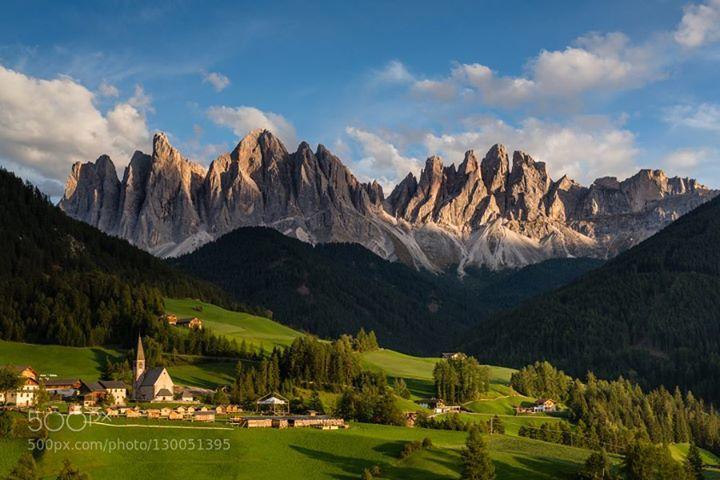 Dolomites.jpg http://ift.tt/1OeRRCb Santa MaddalenaVillnöss - Funesalpsautumnchurchdolomitesitaliaitalymountainmountainssunsetval di funes
