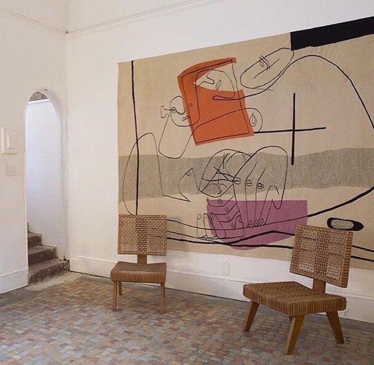 Via @zanzaneyewear 〰 le corbusier tapestry and pierre jeanneret chairs