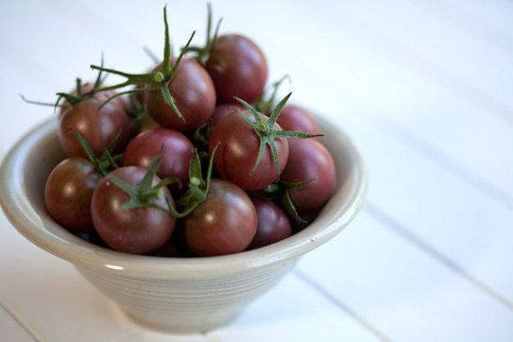 Organic Heirloom 500 Seeds Lycopersicon esculentum convar. Brown Black Cherry Small Tomato Tomatoes A0005, $1.79