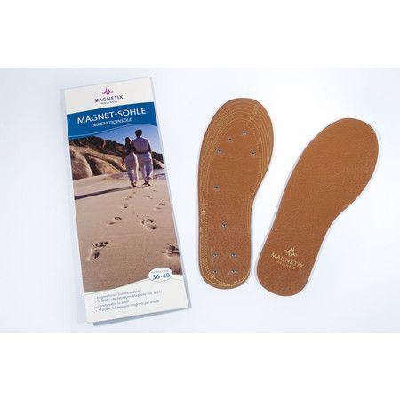 Camminate spensierati per le strade della vita con le suole per scarpe MAGNETIX Wellness. Ad ogni passo concederete ai vostri piedi un benessere unico. Sarà un po' come camminare a piedi nudi nella sabbia. Grazie alla vera pelle e ai 10 magneti da 1200 Gauss, ogni giorno diventerà un giorno di benessere.
