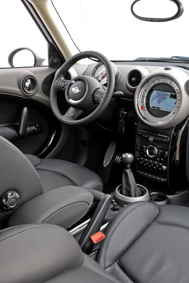 Mini Countryman Cooper 2011 - had one... Really fun to drive but what a POS!