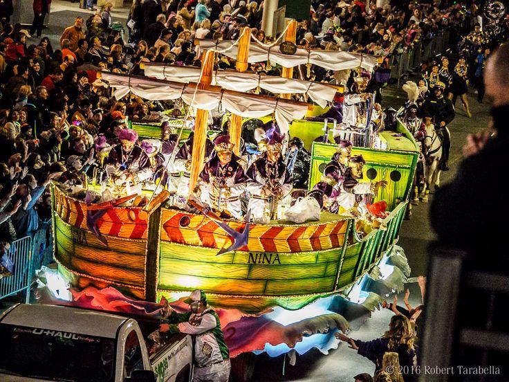 Crew of Columbus Mardi Gras Parade, Mobile, AL. photo: Robert Tarabella