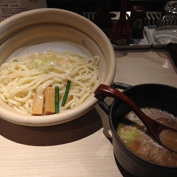 もつつけめん850鶏魚介ベースのスープによく合う() 小(1玉)特盛(2.5玉)まで自由に選べるのがうれしい#ほそ道 #ラーメン #つけ麺 #もつつけめん #大阪 #都島区 #京橋 #Osaka #Kyobashi #lunchtime by mkj3434