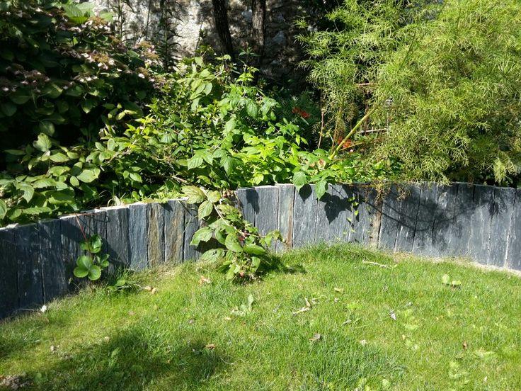 Muret en pierres - piquets d'ardoise Maçon paysagiste Vannes Baden Morbihan