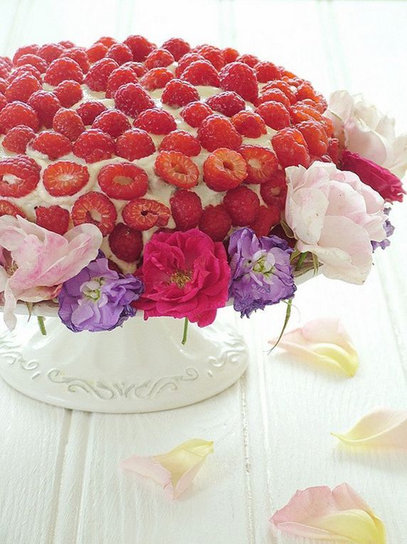Fresh Raspberry Birthday Cake  Wreath Of Flowers