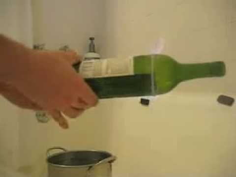 Cutting glass bottles with acetone and string