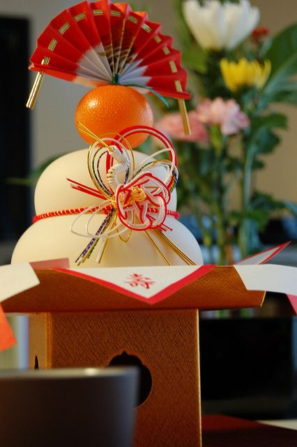Article: Kagami Mochi, Japanese Rice Cake is both Eaten and Displayed through the New Year's Holiday Period in Japan|鏡餅