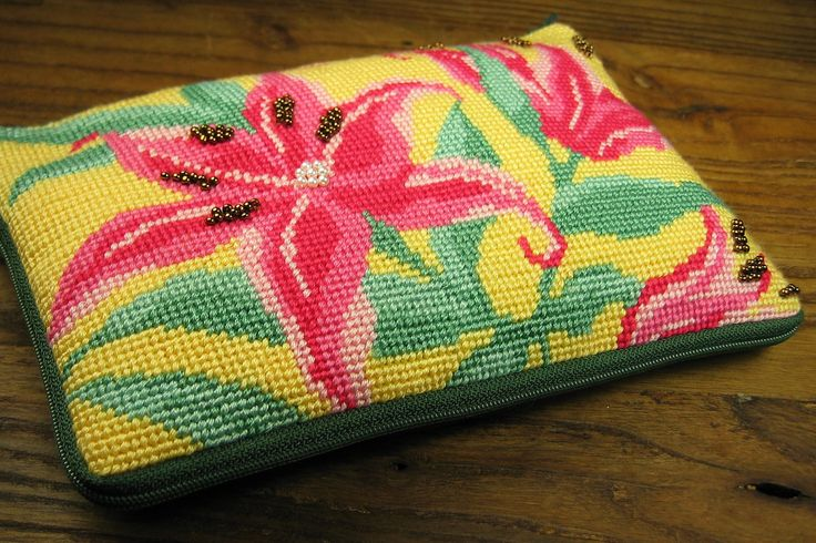 Fuchsia Daylily Pouch by OneCreativeFamily on Etsy
