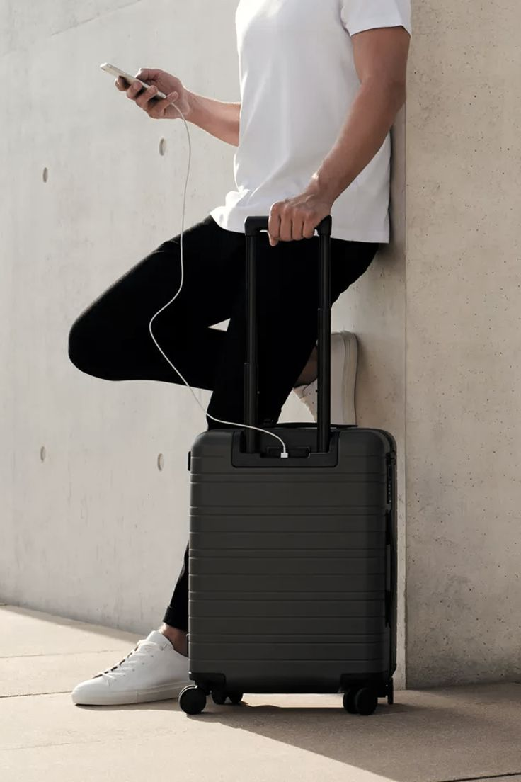 Charge on the Go | Forward-thinking luggage and travel essentials that fuse smart technology with smart design at a smart price. @horiznstudios | horizn-studios.com