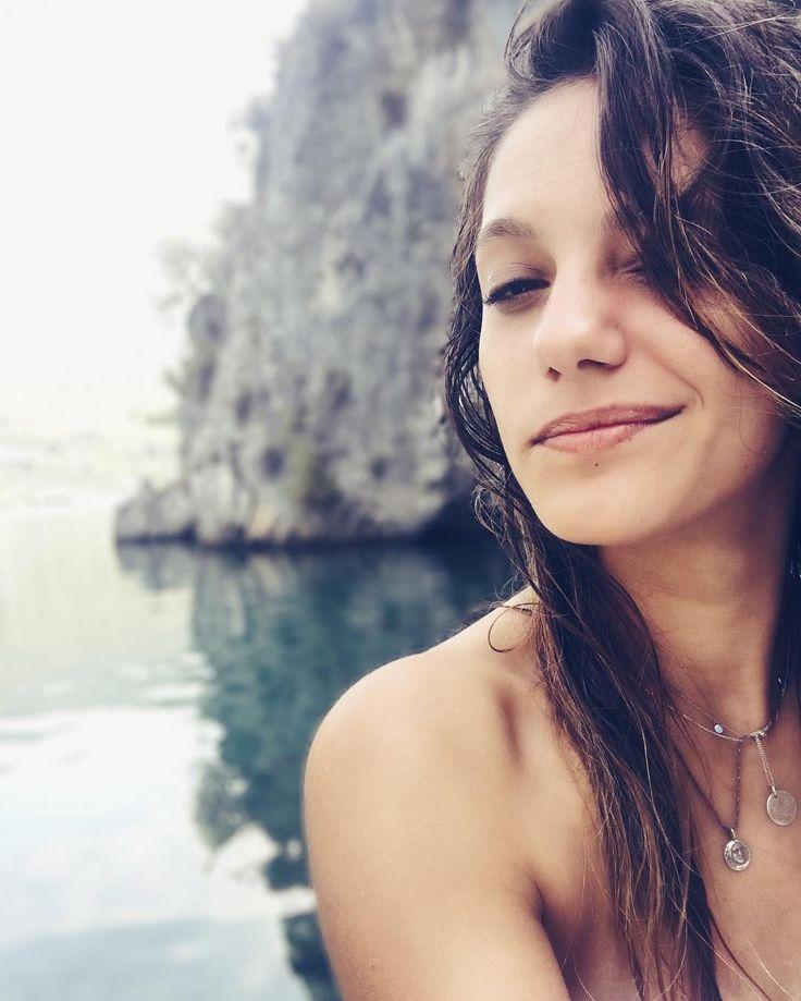 """43.6b Beğenme, 437 Yorum - Instagram'da Nilay Deniz (@aydeniznil): """"#yazgelsedesaçmalasak  @duyguarabacioglu #tb"""""""