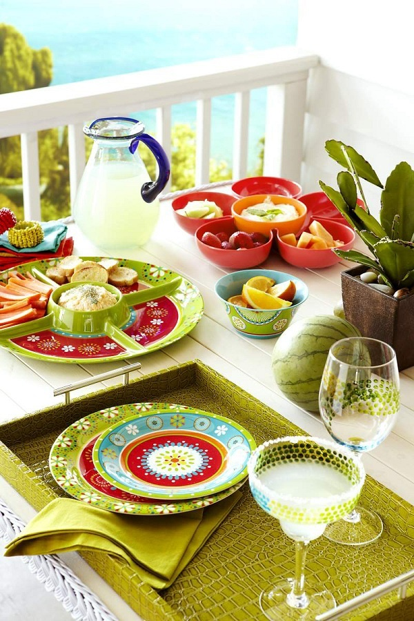 Bright ideas for summer entertaining: tropical locale, a festive table and a pitcher of Island Oasis margaritas! Aahhh!  http://www.islandoasis.com/flavors/island-oasis/ready-to-use