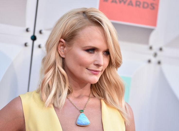 Miranda Lambert brought the ACM audience to their feet with this performance