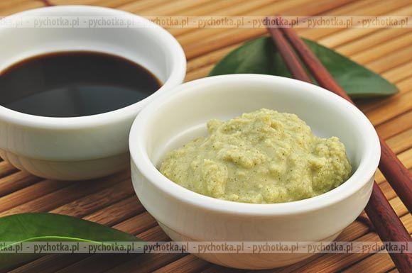 Sos sojowy i inne sosy przyprawowe.