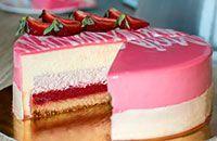 Нежный вкусный красивый муссовый торт может стать не только украшением вашего стола, но и оригинальным подарком ко дню рождения.