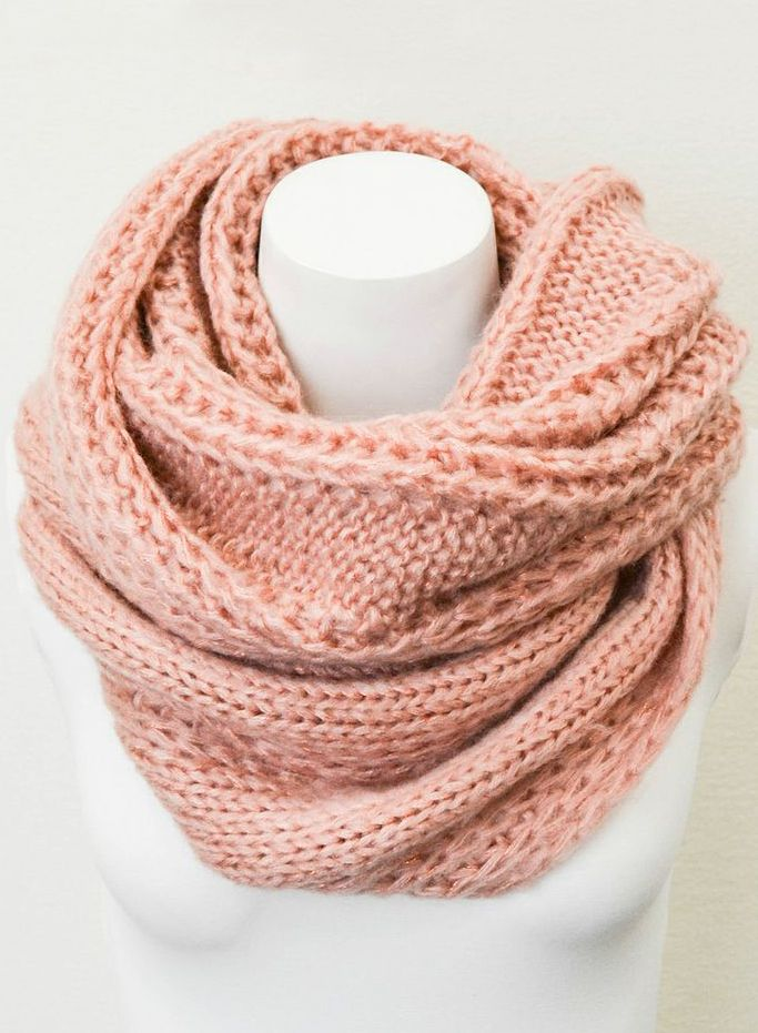 Rose cable knit scarf
