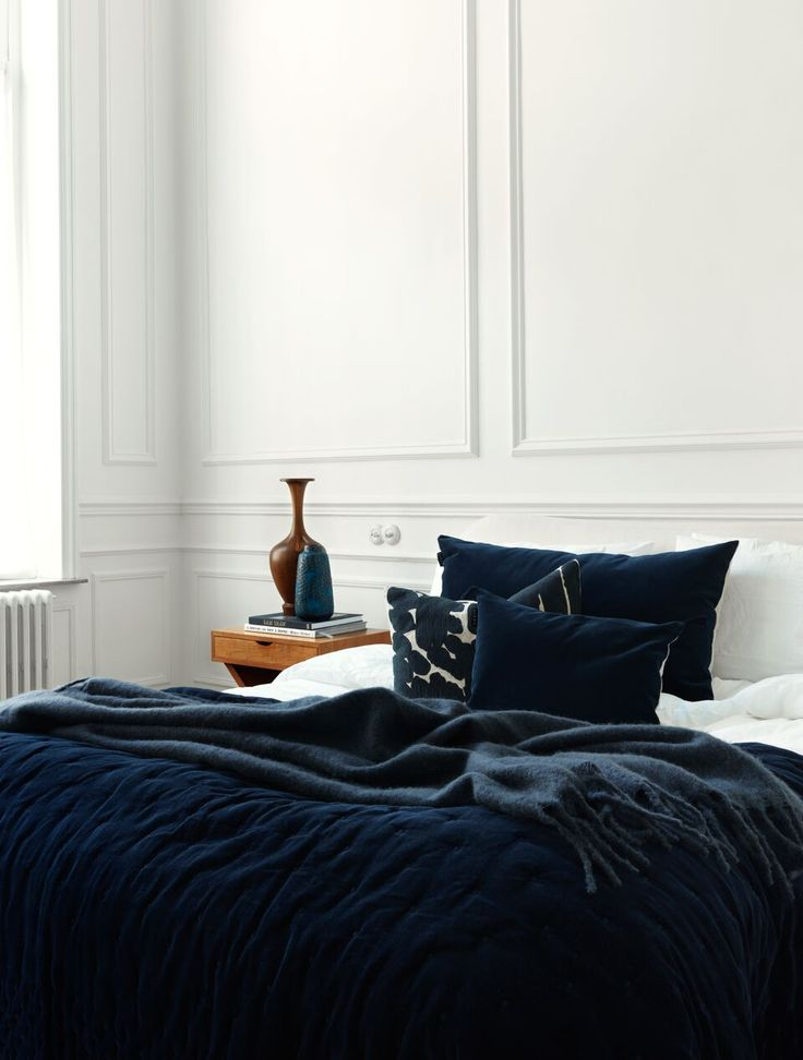 Linum textiles campaign styled by Dusty Deco - bedroom, vintage details, navy and white..