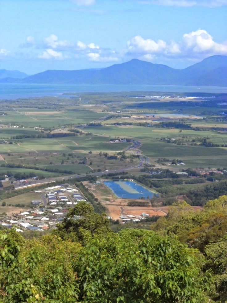 Amazing Places that i have been Sites and facts :) : Cairns