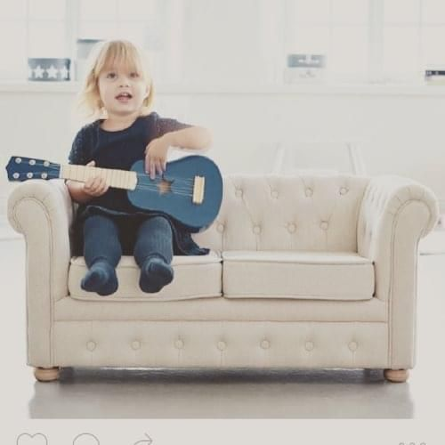 Mini Chesterfield kids sofa - this is so unbelievably cute!