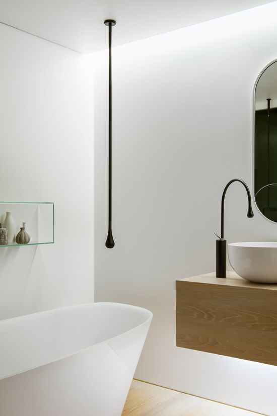 Antonio Lupi freestanding bath with floating wall hung vanity unit and Gessi Goccia tapware and oversized basins, by Minosa, via Desire to Inspire.
