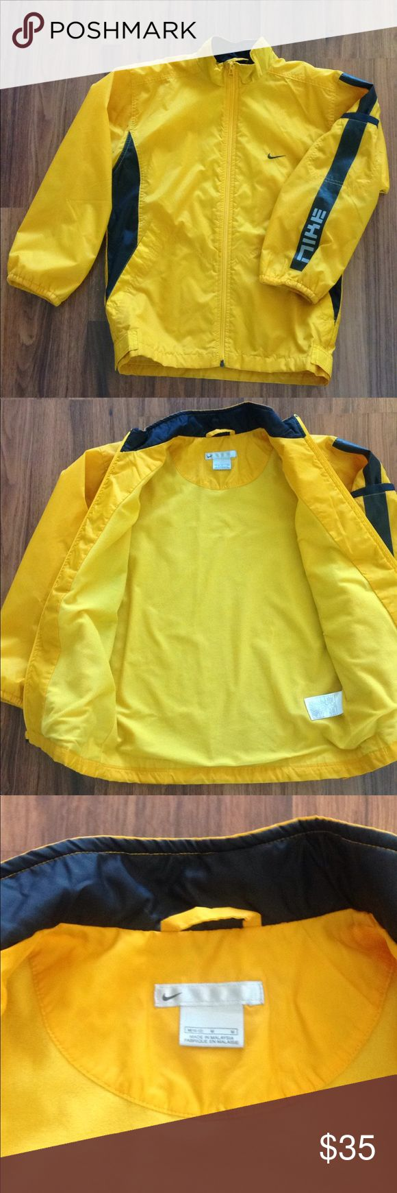 Boy's Nike Windrunner Water Resistant Jacket, Boy's Nike Windrunner Water Resistant Jacket, Size M (10 - 12) Color: yellow & black. In great condition  Smoke and pet free home. Nike Jackets & Coats Raincoats