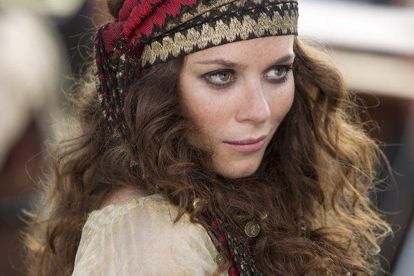 Kyra Feruupa - exotic dancer, pyro, traitor, spy. | Still of Anna Friel in Neverland (2011)