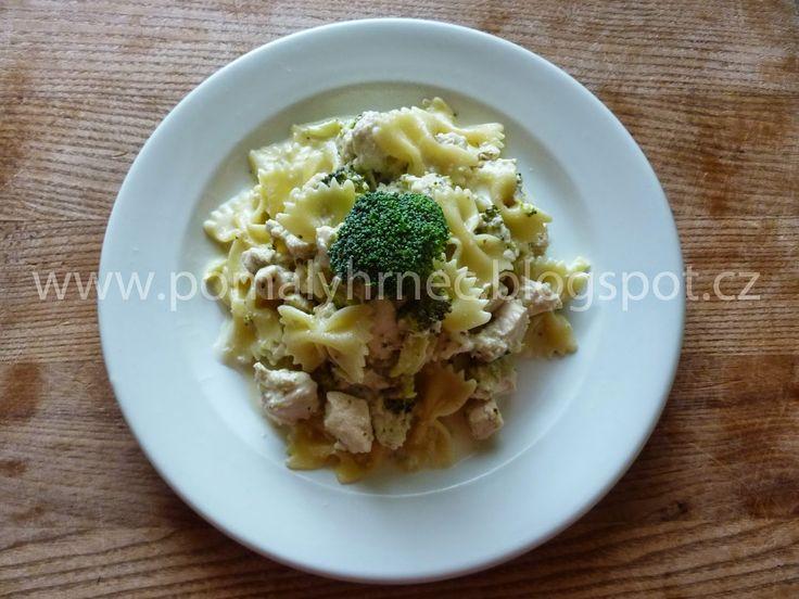 Pomalý hrnec: Kuře se sýrovo - brokolicovou omáčkou v pomalém hr...