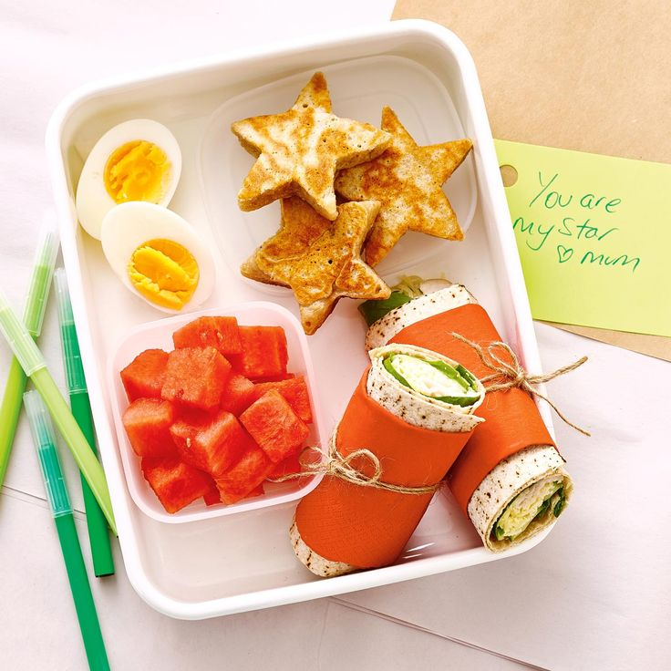 Pack the perfect lunchbox for your kids with a Turkey Wrap + Snacks #Turkey #Wrap #Snack #Lunch #Lunchobx #LunchboxIdeas #KidsLunch #FreshFoodKids