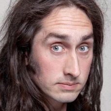 Ross Noble | Celebrity Comedian. Ross Noble is now perhaps the most successful cult comedian of our time, with a loyal fan base derived largely from the 'word-of-mouth' recommendations of those having seen him perform live.  Available to hire to host and perform comedy at a wide range of corporate events, Ross would liven up any awards ceremony, office party, or corporate dinner, making it a fun-filled night to remember!